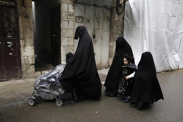 ▲穆斯林穿著傳統burka示意圖。(圖/CFP)