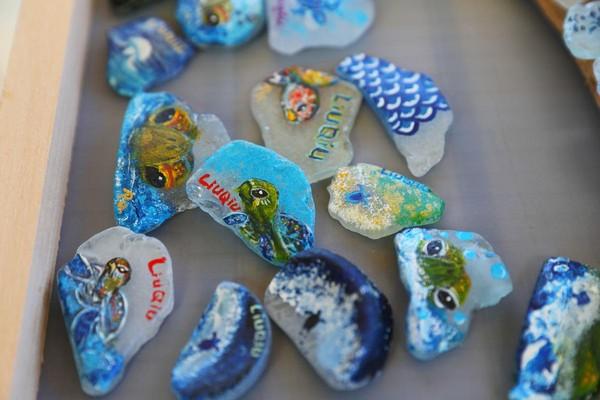 小琉球海灘貨幣藝術家:不要珍藏,請到島上消費!