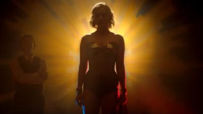 風流情史造就女權英雄!《神力女超人傳記》一夫二妻搞SM都來