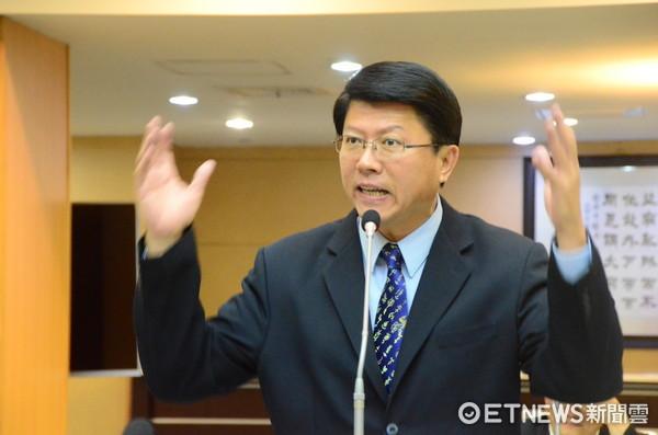 ▲台南市議員謝龍介認為,基層民眾對「滅香」這個議題的訴求很簡單,就是「宗教自由」並非藍綠的立場。(圖/記者林悅攝)