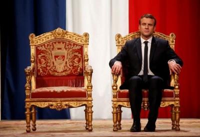 「砍下國王頭」馬克宏被比作路易十六