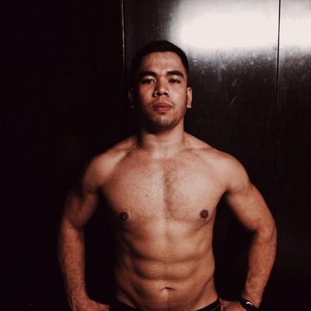 ▲▼「人魚線胖丁」1年減30公斤 大家都想抓他打道館...背肌更驚人。(圖/翻攝Hanz Rainier Arias )