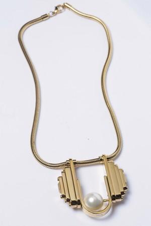 上海設計師品牌Alepoque珍珠項鍊。NT$13,500