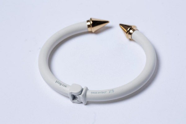 VITA FEDE白色coconut手環。NT$11,500