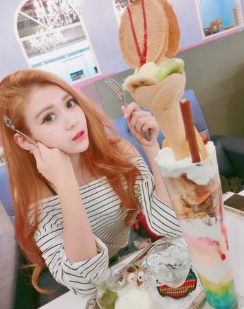Rainbow waffle 彩虹鬆餅屋(圖/網友werty662649提供,請勿隨意翻拍,以免侵權。)