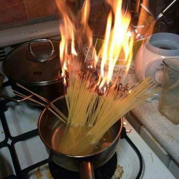 圖/翻攝自boredpanda、關鍵字搜「日劇,下廚」哽圖、「cooking gif」