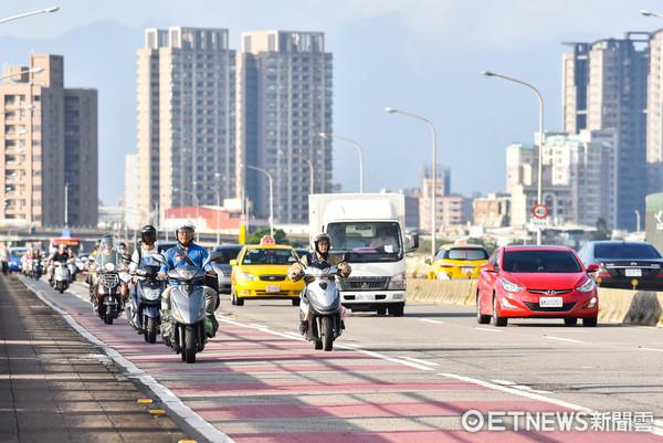 汽機車分流,交通亂象,路權,機慢車優先道。(圖/記者李毓康攝)