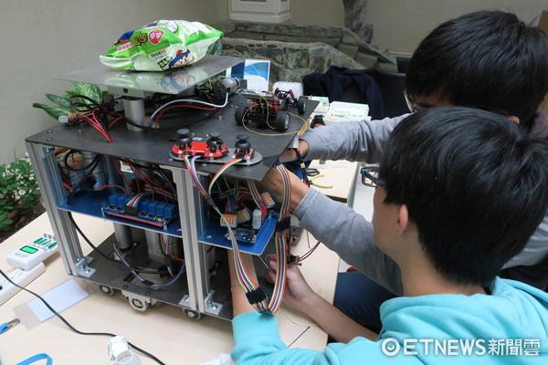 ▲▼清華大學學生參加機器人設計比賽,拿下美國東區第4名。(圖/清大提供)
