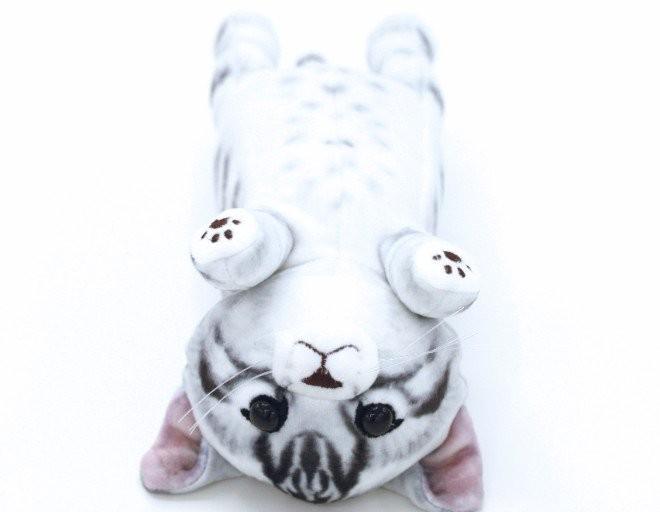 貓咪筆袋(圖/網路翻拍)http://info.felissimo.co.jp/youmore/main01/cat/post-101/?xid=p_soc_ym_t