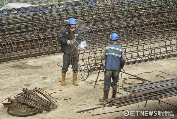 工地,工人,工地安全,南山人壽新建大樓 ,南山人壽 (圖/記者張一中攝)
