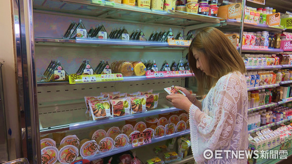 ▲▼業配-超商再出猛招!首推越光米飯糰 鮮嫩鰻魚整片吃。(圖/記者姜國輝攝)