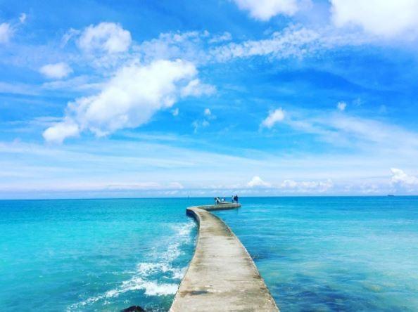 澎湖海景,東港舊碼頭(天堂路)。(圖/IG@peddy620_727提供,請勿任意翻攝以免侵權)