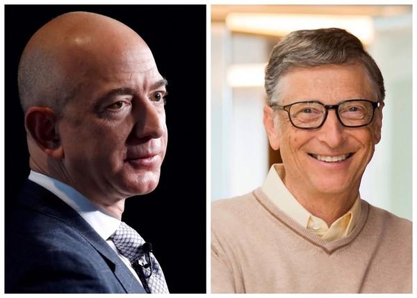▲▼亞馬遜創辦人兼執行長貝佐斯(Jeff Bezos,左)和微軟創辦人比爾蓋茲(Bill Gates,右)。(組合圖/路透社/比爾蓋茲FB粉絲專頁)