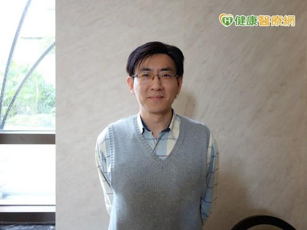 ▲恩主公醫院張嘉峰主任指出,口服碳素粒子搭配低蛋白飲食改善腎功能。(圖/健康醫療網)