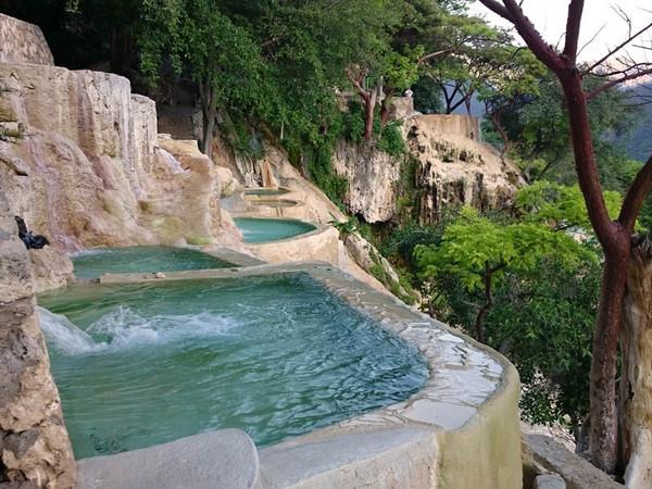 ▲墨西哥山谷的托蘭通戈溫泉。(圖/grutastolantongo)