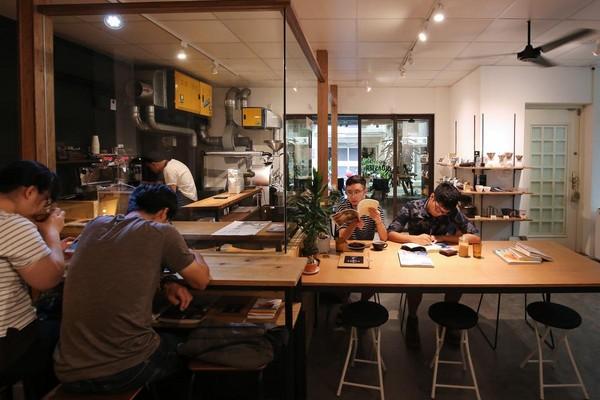 位於天母的「Goodman Roaster」除了舒適的內用空間,也是伊藤篤臣的烘豆室。
