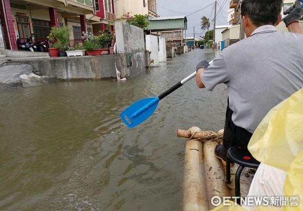 ▲▼尼莎、海棠颱風接連而來,慈濟志工到全台各區支援,提供災民便當。(圖/慈濟基金會提供)