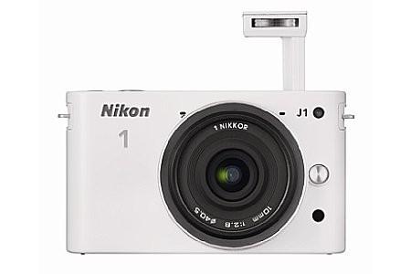 Nikon J1 與 AW1。(圖/翻攝自官網)