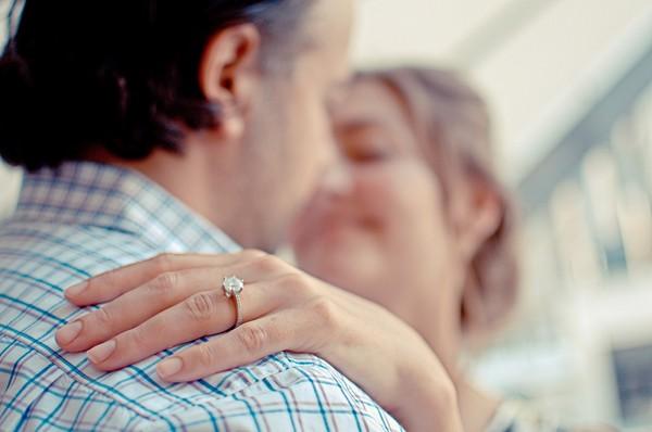 兩性,愛情健康,結婚,夫妻,戒指,鑽戒。(圖/取自librestock網站)