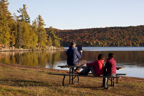 ▲加拿大秋季賞楓。(圖/加拿大航空提供)