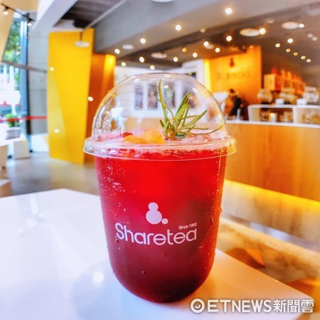 ▲▼「Sharetea歇腳亭」,2017年Sharetea將品牌拉回台灣發原地,在東區打造一間像咖啡廳的Sharetea全球旗艦總店。(圖/記者黃士原攝)