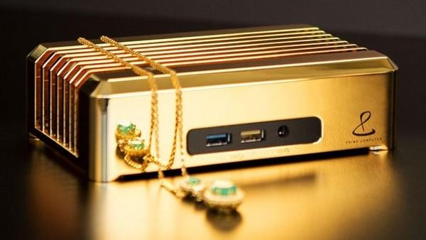 每台要價三百萬!內含七公斤18K金的迷你桌機現身。(圖/翻攝自 Prime Computer)