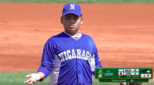 ▲尼加拉瓜投手柯亞多(Diego Collado)單局4次投手犯規,隨後又投出觸身球,被換下場。(圖/截自WBSC)