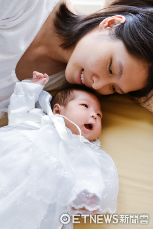 ▲原來是孩子決定,選擇我成為她的母親。(圖/黑面蔡媽媽提供,請勿隨意翻拍,以免侵權。)
