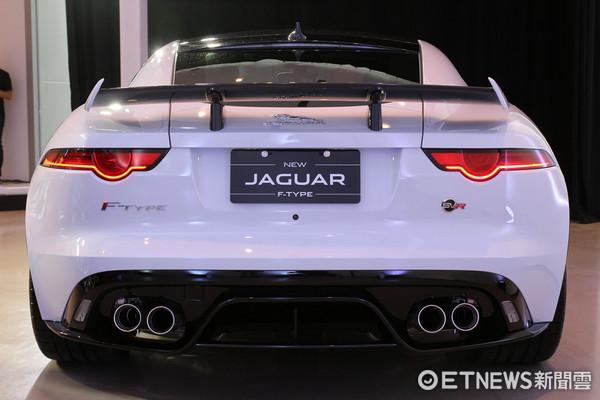 ▲Jaguar F-TYPE跑車新年式不漲價 SVR高性能版同步登台。(圖/記者張慶輝攝)