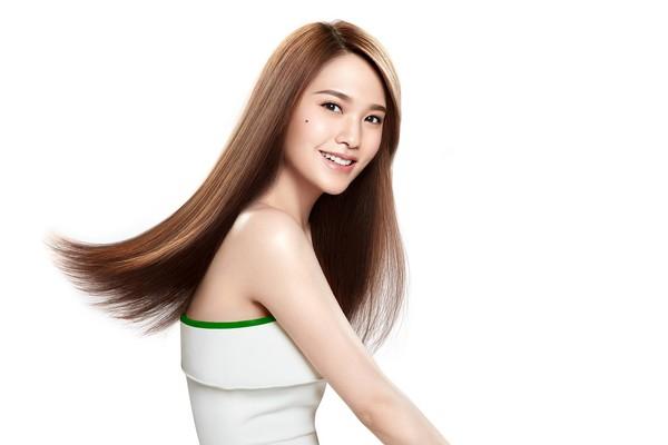 ▲楊丞琳代言髮品飛柔。(圖/翻攝自楊丞琳臉書、品牌提供)