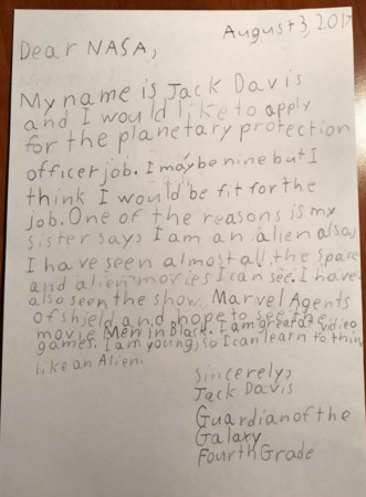 ▲▼9歲小弟自稱外星人,要應徵NASA星球守護官。(圖/翻攝自NASA官網)