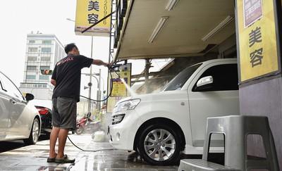下雨當洗車小心越洗越髒