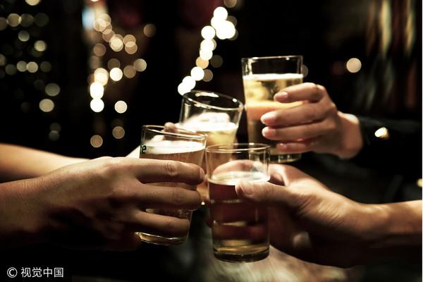 ▲▼喝酒示意圖、聚會、示意圖、酒。(圖/CFP)