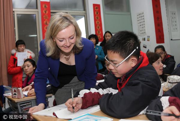 ▲▼英國教育副部長曾親自到上海,學習大陸的數學教學法。(圖/CFP)