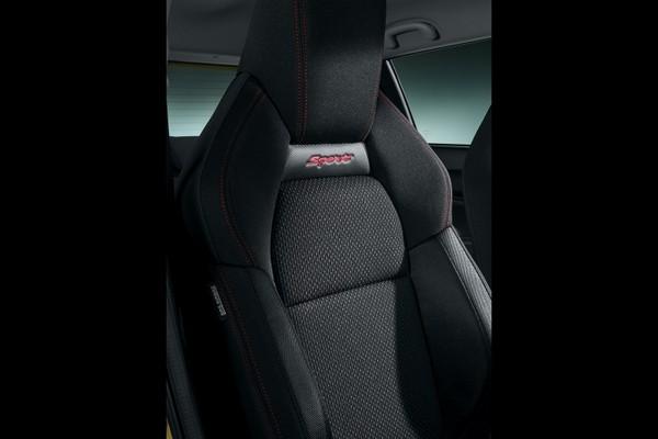 不止車輕,內裝也是熱血一拜 小鋼砲鈴木Swift Sport最新官方照曝光(圖/翻攝自Suzuki)