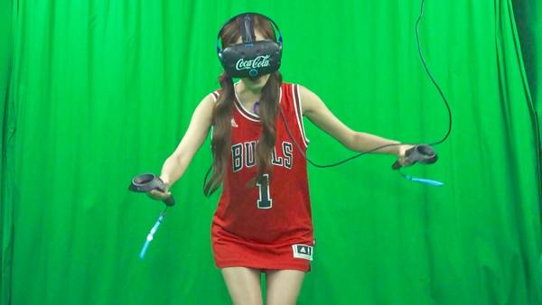 VR驚嚇度100%!挑戰極限膽量 PopuLady大元、洪詩尖叫聲破表(圖/記者宋良義攝)