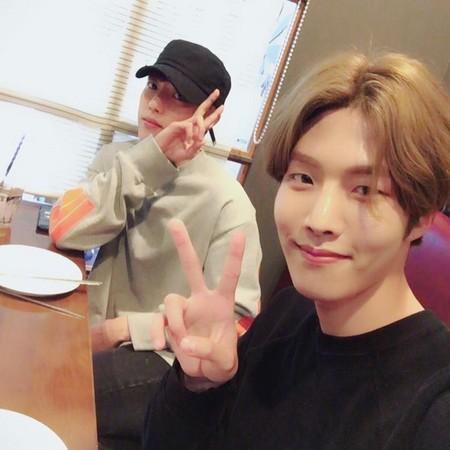 INFINITE成員李成烈(左)的弟弟大烈將在28日以男團Golden Child出道。(網路圖片)