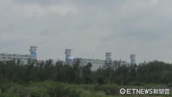 ▲大潭電廠七號機組未併聯成功,供電仍吃緊。(圖/記者楊熾興攝)