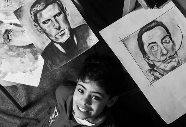 ▲小畢卡索希望在畫展籌募資金,幫助病童。