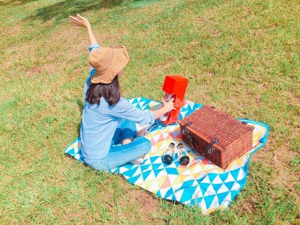 刷爆IG!野餐「氣泡水」顏值夢幻 少女尖叫搶拍。(圖/sodastream提供)