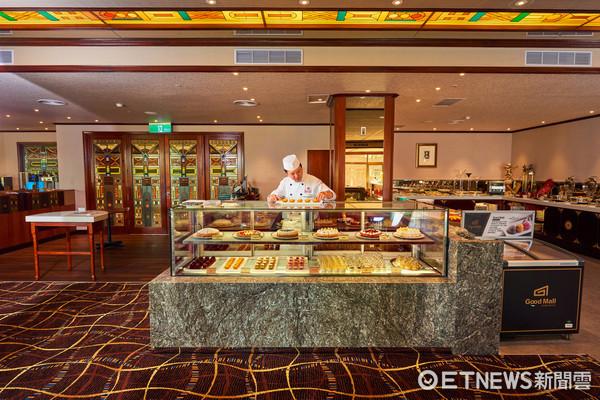 ▲▼ 台北福華大飯店的Buffet自助餐廳改名為「花園大道 Park Avenue」。(圖/台北福華提供)