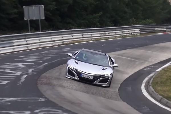 少了四驅一樣猛 本田NSX Type R無預警現身綠色地獄(圖/翻攝自Supercarsfromeu Youtube)