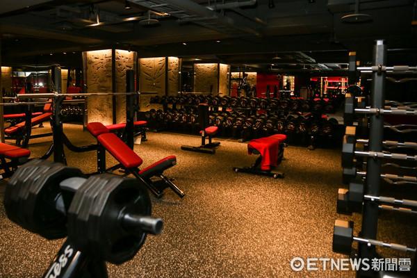 ▲UFC GYM健身中心開幕。(圖/記者林世文攝)