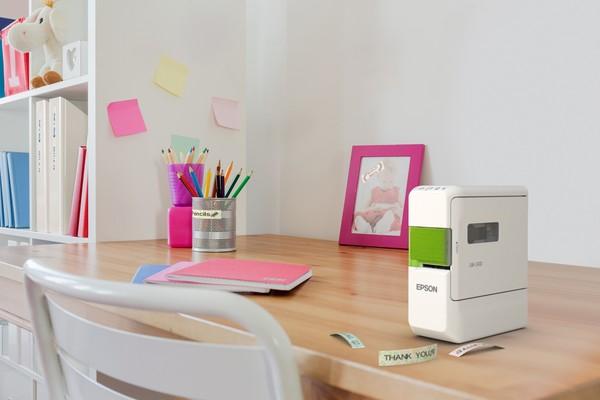 搭配App輕鬆設計!Epson新推出藍芽手寫標籤機LW-C410
