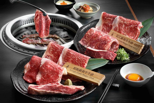 ▲孫芸芸出席犇燒肉開幕剪綵。(圖/微風提供)
