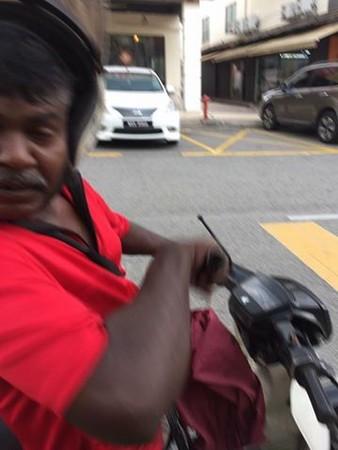 ▲▼大馬駕駛拍下「被砍一瞬間」 高清引熱議:人體記錄器?。(圖/翻攝臉書/Kepong Community 甲洞社区)