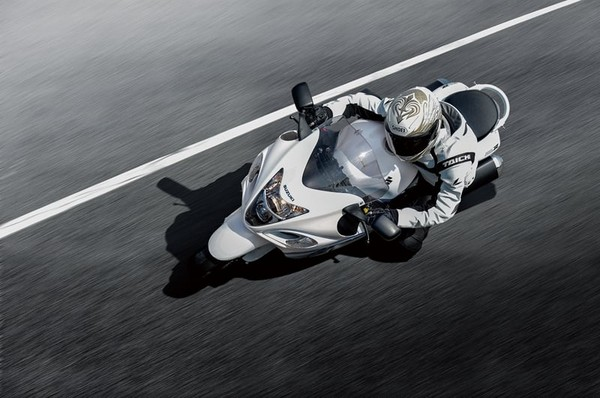 ▲地表最速重機將停產?Suzuki「隼」被環保法規擊敗。(圖/翻攝自Suzuki)