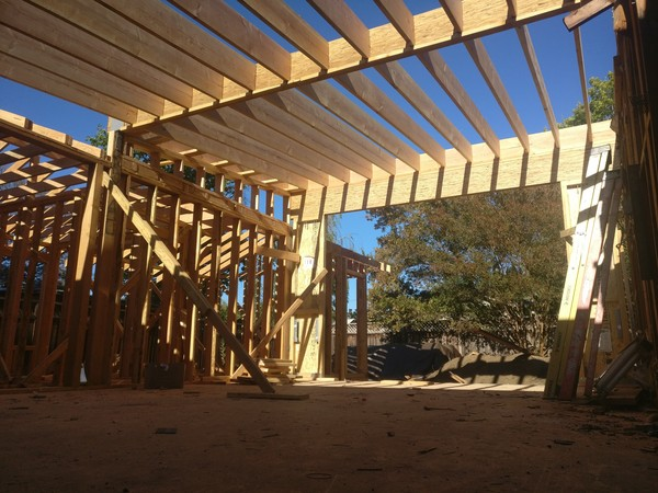 ▲▼加州房屋多為木造屋,因此白蟻檢查就顯得很重要。(圖/簡明葳提供)