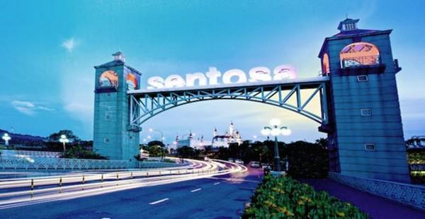 ▲▼ 新加坡渡假勝地聖淘沙的旋轉摩天塔12日晚間故障。(圖/翻攝自臉書/@sentosaofficial)