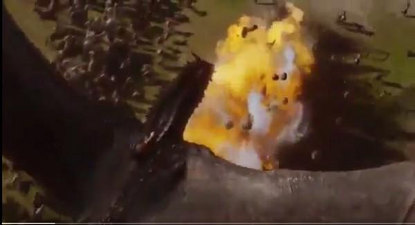 ▲《冰與火》波隆射傷龍被郵差討厭。(圖/《冰與火之歌》劇照)